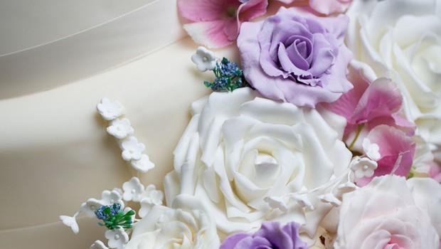Cake By Design Aberdeen : Aberdeen Wedding Cakes