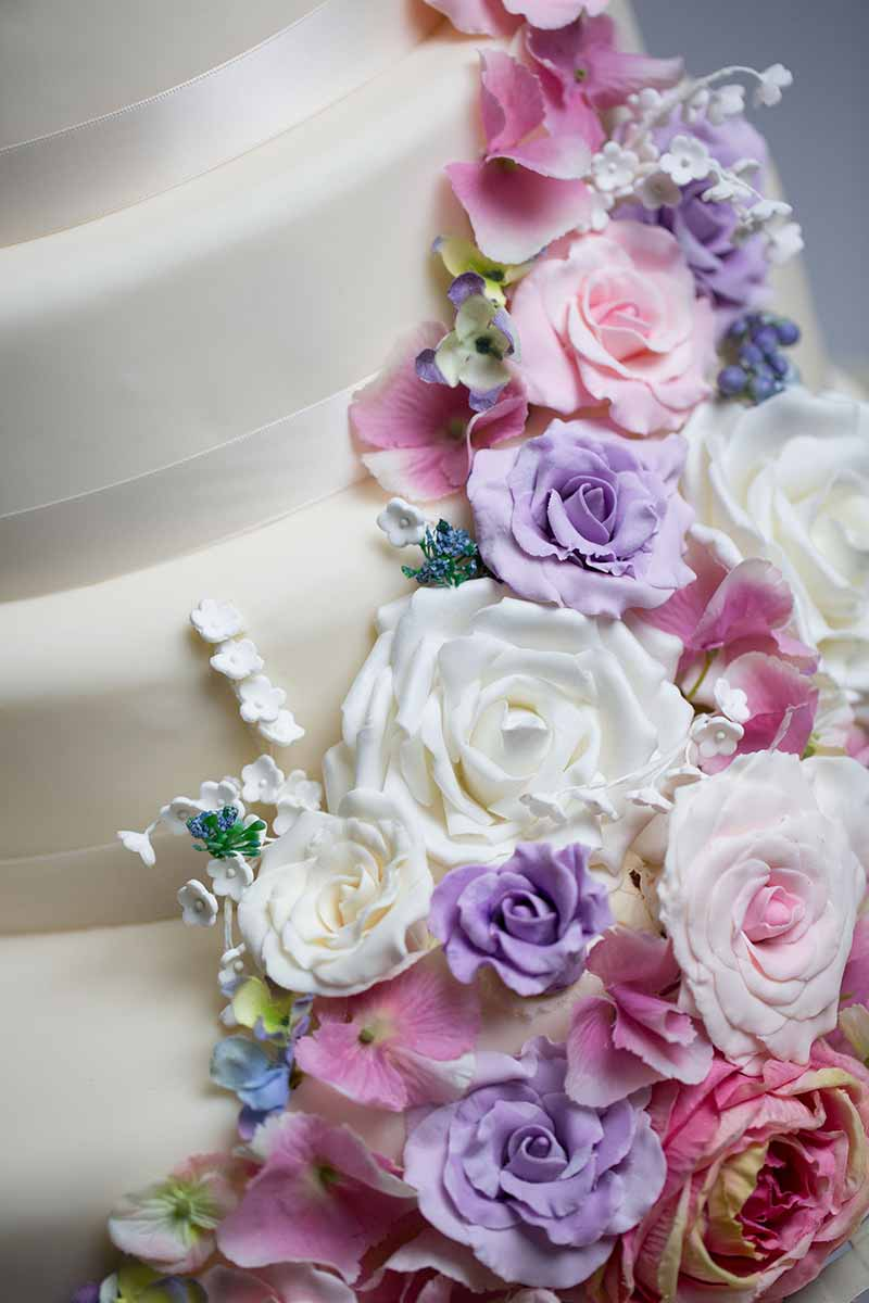 Aberdeen Wedding Flowers Chicago : Top uk wedding cake designers