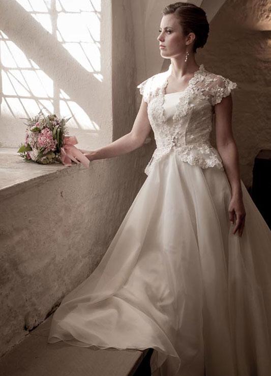20b Qiana Bridal