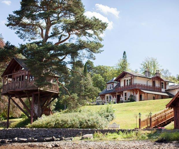 the lodge outside