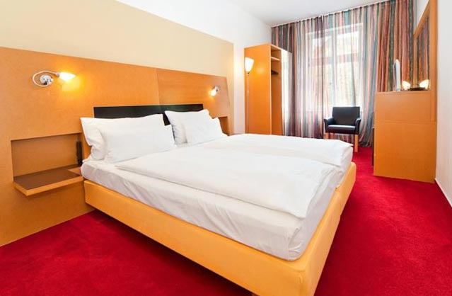 Hotel theatrino hen accommodation in prague for Quirky hotels prague