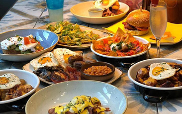 boozy bottomless brunch