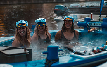hot tub boats hen party activity
