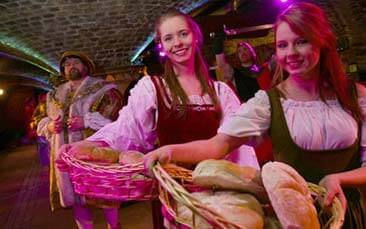 medieval banquet hen party activity