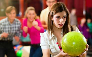tenpin bowling hen party activity