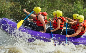 whitewater rafting hen party activity