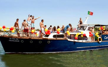 boat charter with BBQ & beers