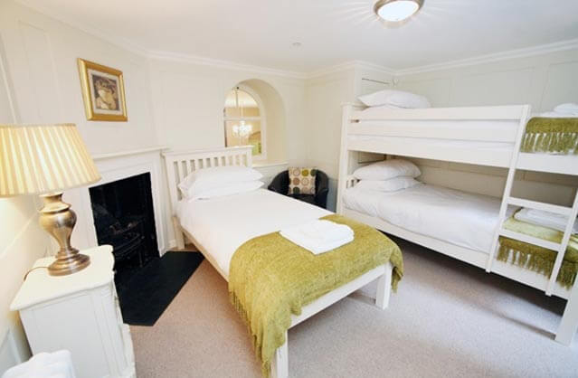 Bath accommodation