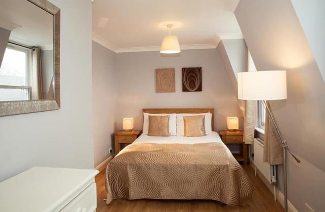 London Self-catering Accommodation - Lamington Serviced ...